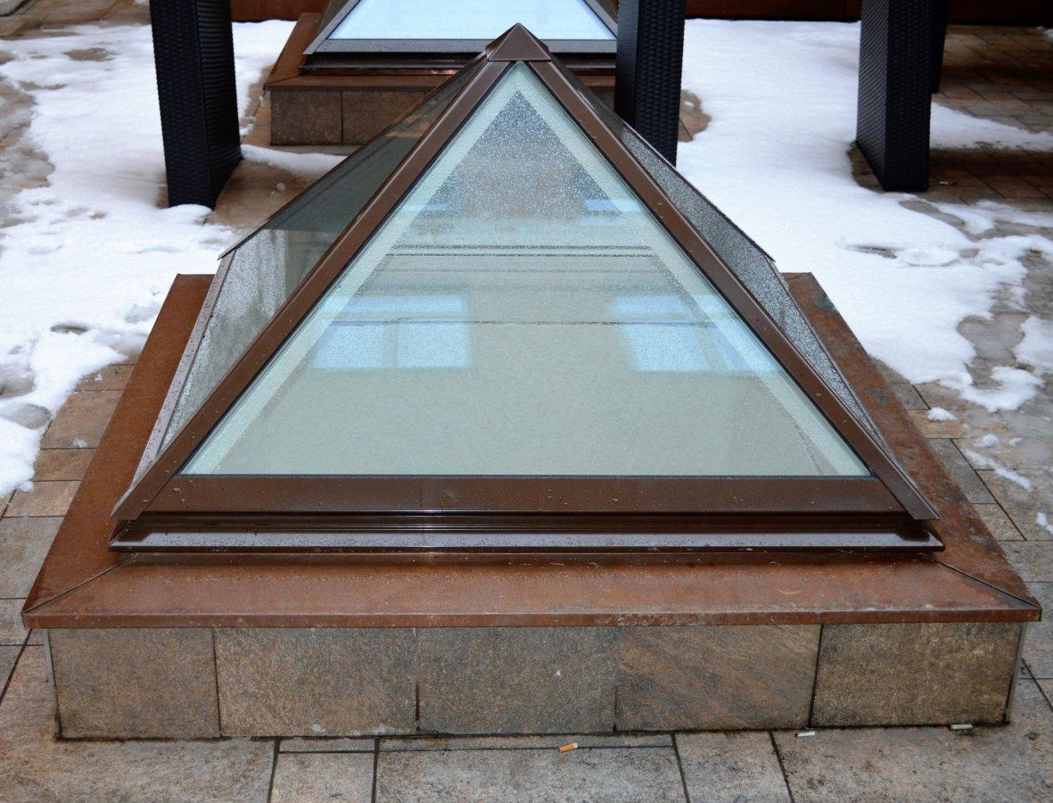 GlasPyramid